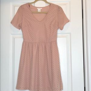 BCNU Blush Pink Short Sleeve Dress Size Small